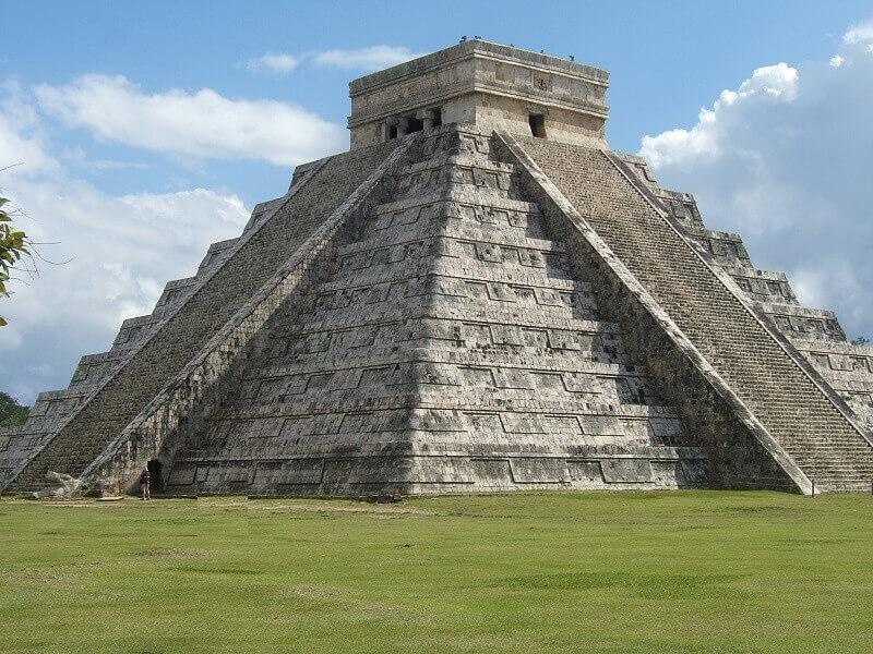 Mayan Pyramids for Kids: Chichen Itzá